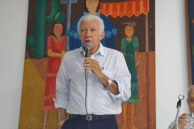 Prof. Cineas Santos